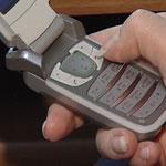 Мобильный телефон может быть взломан при помощи СМС. 27-04-2009.