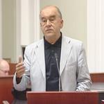 Закон увеличит доходы чиновников