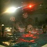 Дискотека в бассейне