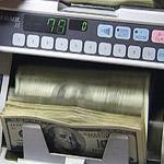 Американский доллар пока не сдает позиций