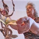 Бабушка - мастер по дереву