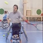 Теннисисты в инвалидных колясках
